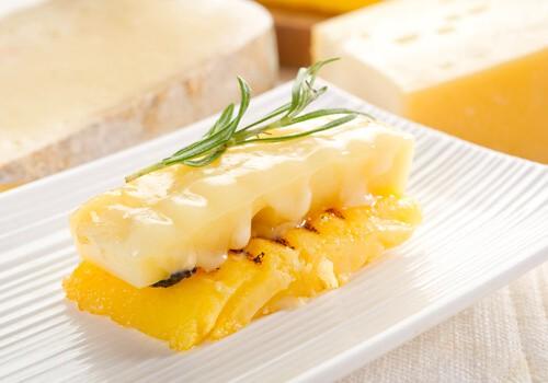Polenta with fontina cheese